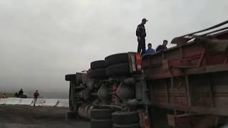 ОШ-БИШКЕК: Жалал-Абад ашуусунда оор жук автоунаасы антарылды